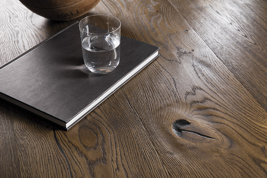 Urban Oak Antique Brown Castlle